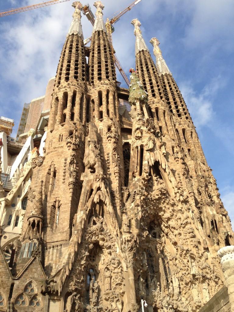 バルセロナ旅行の人・雰囲気・食事・お土産・交通などの概要|スペイン観光