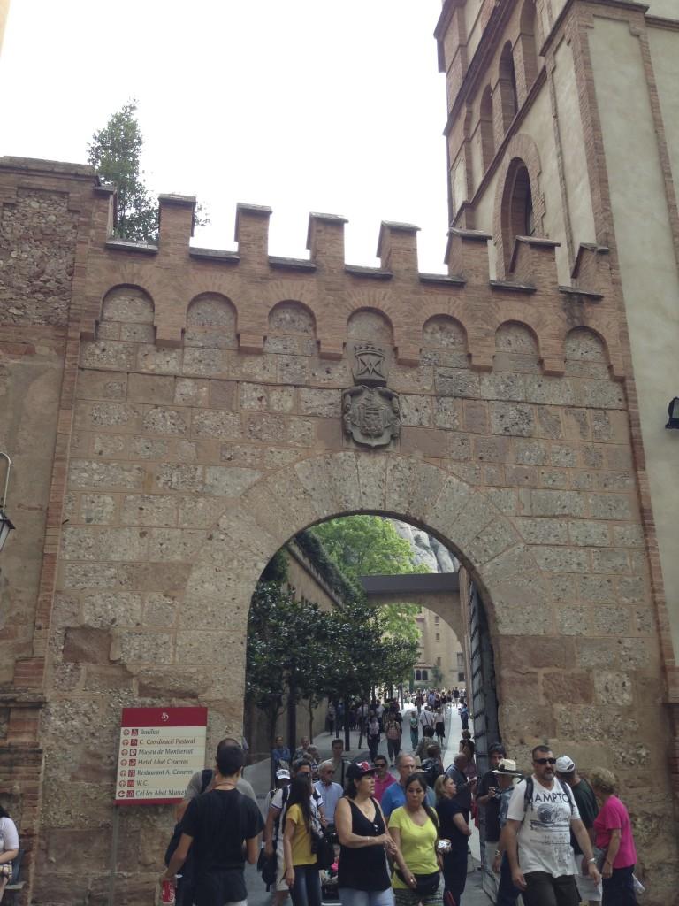 修道院の入り口