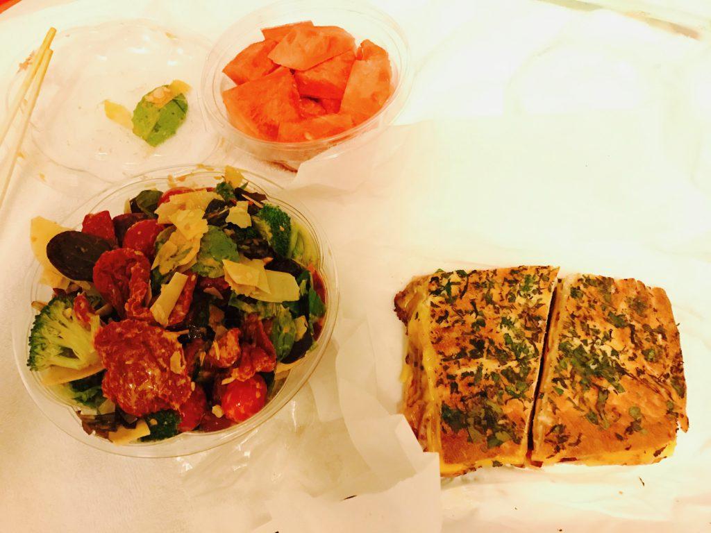 サンドイッチとサラダデリ