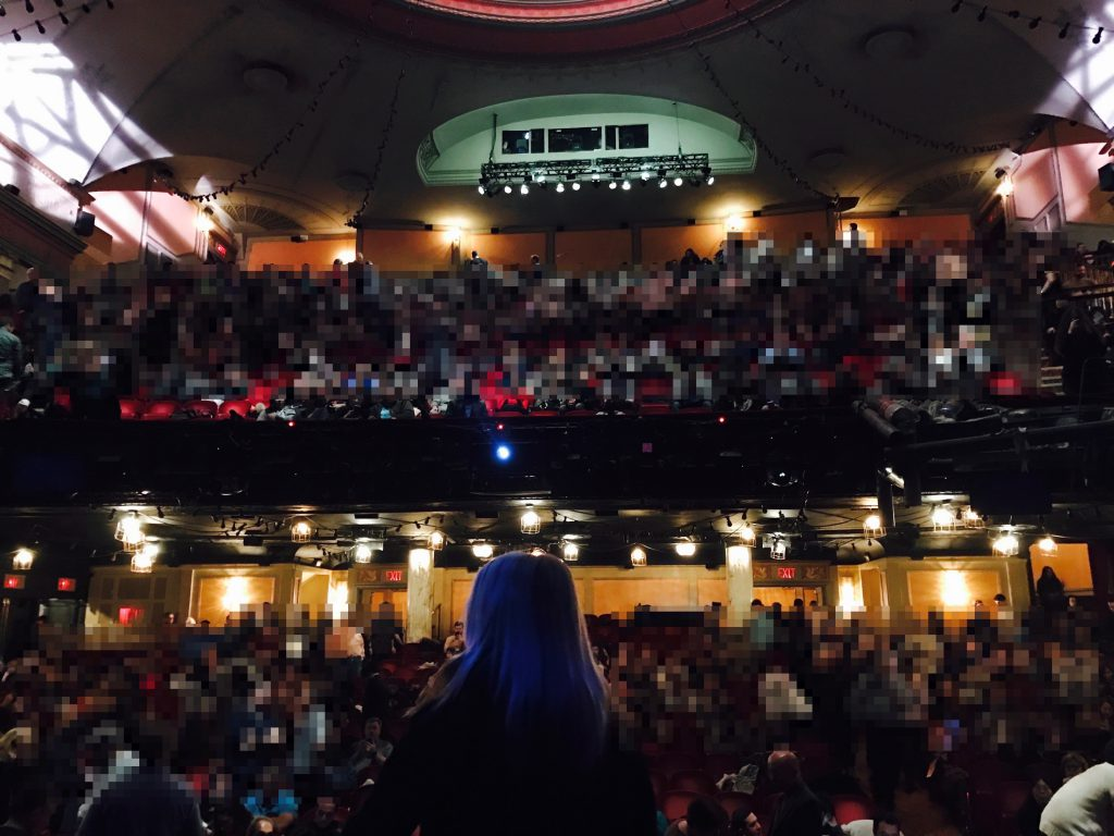 舞台から客席の眺め