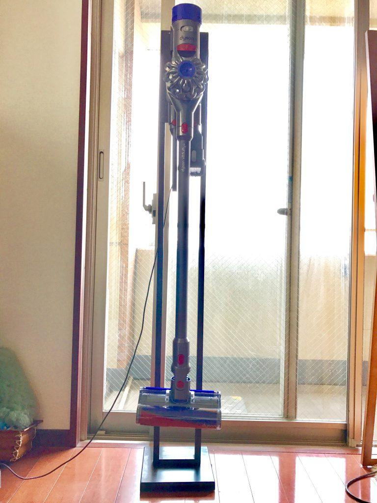 ダイソンの収納スタンドをDIYしました!電気スタンドをカスタム!