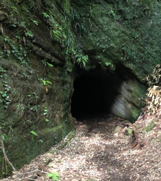安兵衛沢コース 手彫りトンネル