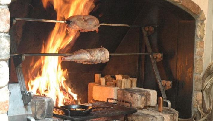軽井沢ピレネーでディナーしました!暖炉と豪快料理!評価口コミ