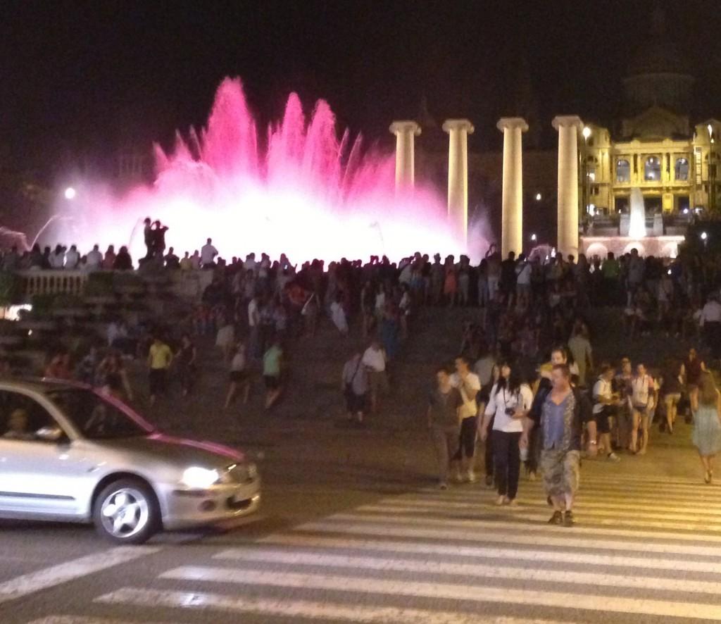 モンジュイックの噴水スケジュールと感想|バルセロナ Fuente Magica de Montjuic