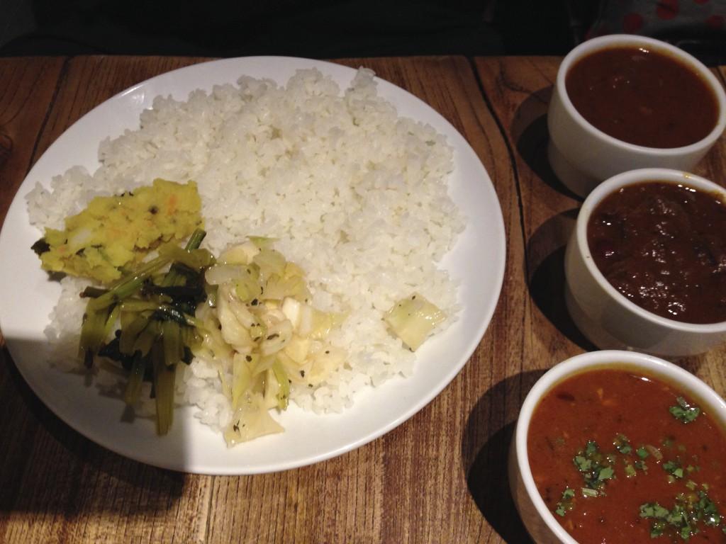 大盛りご飯とカレー