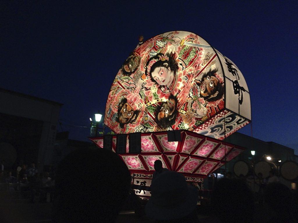 弘前ねぷた祭りの概要・運行コース・行き方・駐車場・観覧席の感想