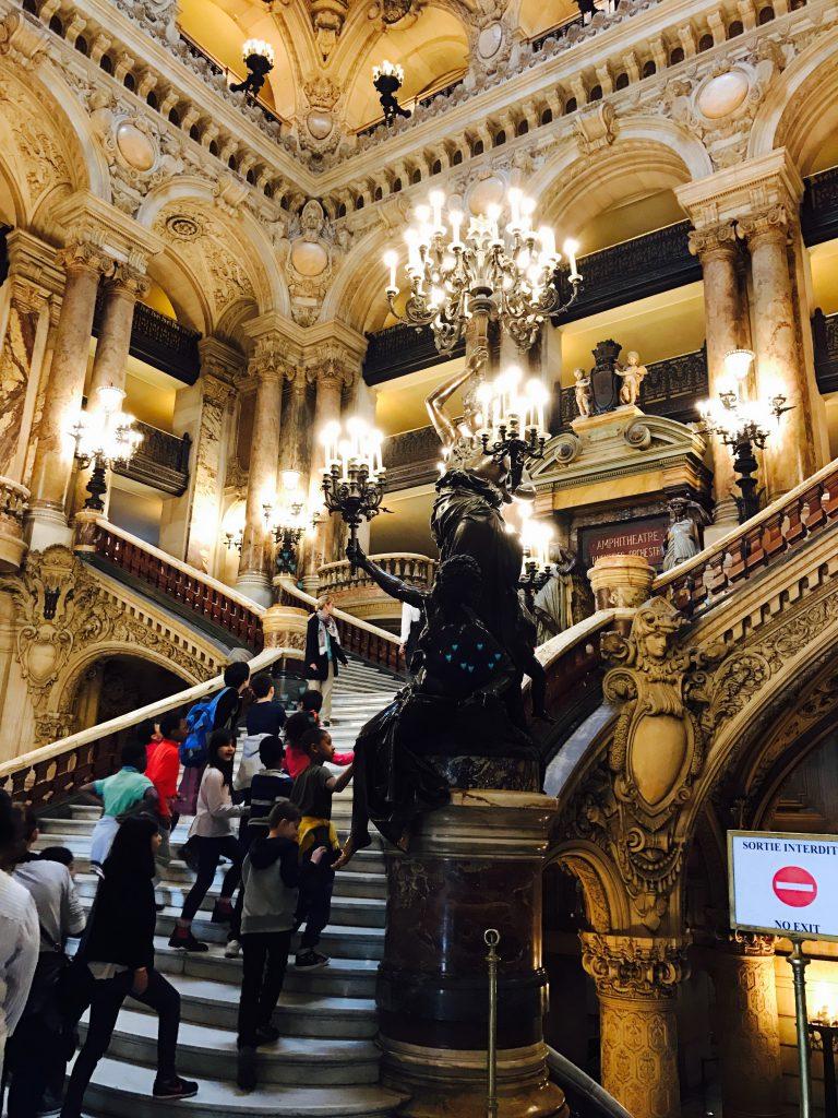 オペラ座ガルニエ宮は豪華絢爛【絶対】見学すべきパリ観光スポット