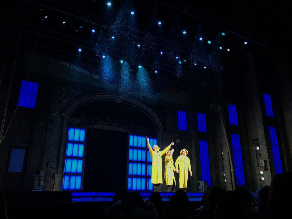 雨に唄えばのミュージカルがすごくよかった!舞台に12トンの雨が!!口コミ評判