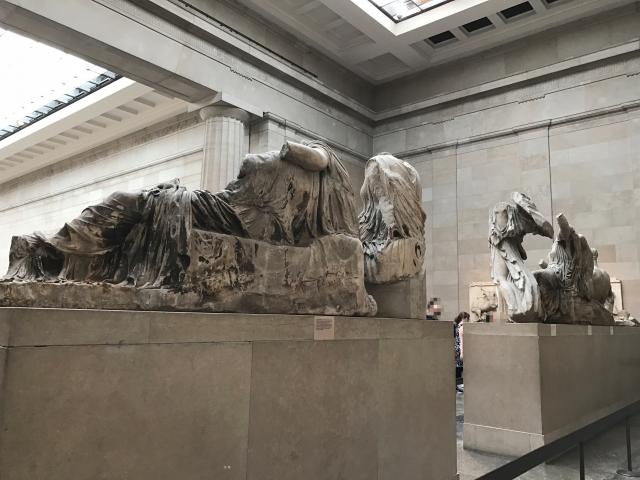 大英博物館のレリーフ本物