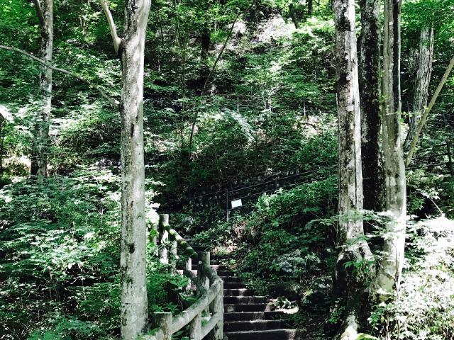 キツイ階段